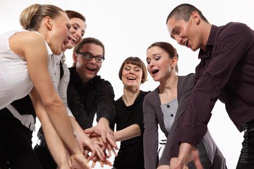 Организовать работу в коллективе